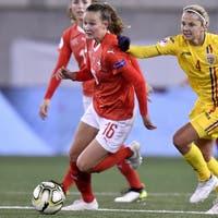 Drei Schweizer Fussballerinnen im Land der Träume