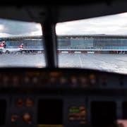 Der Flughafen Zürich – ein «Drecksplatz», wenn es nach einem Swiss-Piloten geht. (Bild: Keystone)