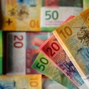 ZUR PRAESENTATION DER NEUEN 200-FRANKEN-NOTE AM 15. AUGUST 2018 STELLEN WIR IHNEN FOLGENDES BILDMATERIAL ZUR VERFUEGUNG - Die 10er-, 20er- und 50er-Note der Neunten Banknotenserie der Schweizerischen Nationalbank, am Dienstag, 7. November 2017, in Novazzano. (KEYSTONE/Ti-Press/Gabriele Putzu)
