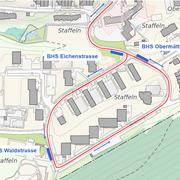 Die drei neuen Haltestellen heissen Eichenstrasse, Waldstrasse und Obermättlistrasse. Ihre genaue Lage ist auf Plan mit blauen Balken eingezeichnet (die blauen Pfeile geben die Fahrtrichtung der Busse an). (Grafik: Stadt Luzern)
