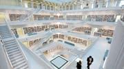 Eindrückliche Architektur: Die Stadtbibliothek in Stuttgart offeriert ein einmaliges Büchererlebnis. (Bild: PD)