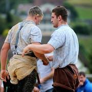 Armon Orlik (rechts) und der Thurgauer Samuel Giger schätzen sich gegenseitig. (Bild: Keystone)