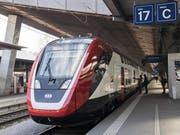 Der neue Fernverkehr-Doppelstockzug der SBB «FV-Dosto» steht im Hauptbahnhof in Zürich. (Bild: KEYSTONE/Ennio Leanza, 26. Februar 2018)