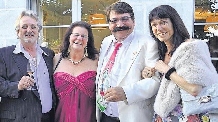 Frau Treffen Aus Villeneuve Castel San Pietro Weibliche Singles