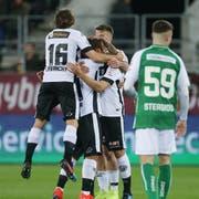 Die Tessiner bejubeln den Führungstreffer. St.Gallen hat das Nachsehen, hier Leonidas Stergiou. (Bild: Keystone)