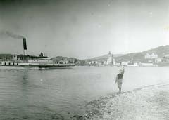 Die «Stadt Basel» wird anfangs des 20. Jahrhunderts bei Küssnacht am Rigi freudig begrüsst. 1916, mitten im Ersten Weltkrieg, wird die «Stadt Basel» zum letzten Mal eingesetzt. (Bild: Archiv Kurt Hunziker)