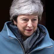 epa07465117 British Prime Minister Theresa May leaves 10 Downing Street Central London, Britain, 26 March 2019. The Houses of Parliament are due to hold a number of indicative votes on the direction of Brexit on 27 March after voting the previous day to have a greater say in the direction of Brexit. EPA/WILL OLIVER