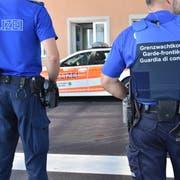 Die Kantonspolizei kontrollierte 90 Fahrzeuge. (Bild: Kapo SG)