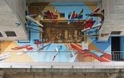 Raffiniert wird im neuen Wandbild des Künstlers «Redl» Patrick Wehrli die Geschichte der Milchsüdi in Szene gesetzt. Bild: PD