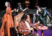 Szenenbild aus Daniel Rohrs Jubiläumsinszenierung «Amadeus». (Bild: Toni Suter/T+T Fotografie)