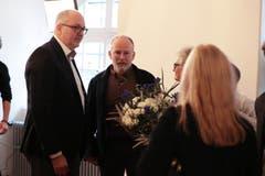 Deutlich unterlegen: FDP-Kandidat Marco De Col (Mitte) mit Kantonalpräsident Hans-Melk Reinhard. (Bild: Roger Zbinden, Sarnen, 20. Oktober 2019)