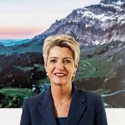 Bundesrätin Karin Keller-Sutter in ihrem Büro vor der Fotografie des Ostschweizer Hausbergs. (Bild: Severin Bigler (Bern, 28. März 2019)