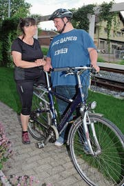 Michael Huber freut sich auf die Special Olympics in Genf. Begleitet wird er von Coach Anita Regli (Bild: Marion Wannemacher (Sarnen, 24. Mai 2018))