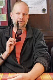 Schriftsteller Michael Stauffer im «Anker» in Bern. (Bild: Mathias Frei)