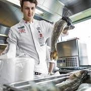 Nächstes Jahr darf Dominik Roider seine Kochkünste in einem von Spitzenkoch Dario Cadonau gegründeten Restaurant einbringen. (Bild: PD)