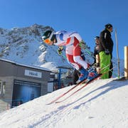 Josua Mettler katapultiert sich aus dem Startbereich. Diesen Winter will er an der Junioren-WM für Furore sorgen. (Bild: PD)