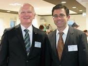 Der abtretende Quartiervereinspräsident Markus Kutter und sein Nachfolger Daniel Auf der Maur. (Bild: Stefan Hilzinger)