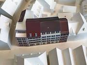 Das Modell zum Wiederaufbau der Altstadthäuser der Zürcher Ryf Partner Architekten AG im Massstab 1 zu 200. (Bild: Samuel Koch)