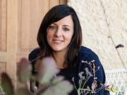 Geschäftsführerin des Unverkpackt-Ladens, Daniela Eiterer, bedient zahlreiche Kunden aus der Schweiz. (Bild: Christina Vaccaro)