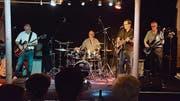 Die Crazy Hot Dog Rock'n'Roll Band während ihres Auftritts. (Bild: Christoph Heer)