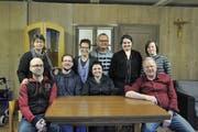 An insgesamt fünf Abenden wird die Theatergruppe Alt-Dorftheater ihr Stück «Z friäh gfreiwt» aufführen. (Bild: PD)