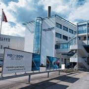 Der Hauptsitz des Milchverarbeiters Hochdorf. (Bild: Corinne Glanzmann, Hochdorf, 5. April 2018)