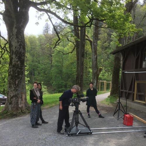 ...und vor der Jugendstil-Badhütte am Chrüzweier.
