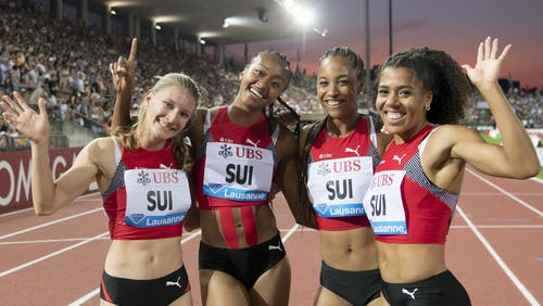 Die Schweizer Staffel mit Ajla Del Ponte, Sarah Atcho, Salome Kora und Mujinga Kambundji (v.l.n.r.) will in den Halbfinal sprinten. (Bild: Keystone)