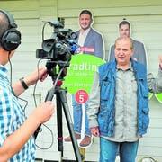 Daniel Felix filmt Thomas Götz für ein Video im kommenden «Ergötzliches». (Bild: Mario Testa)