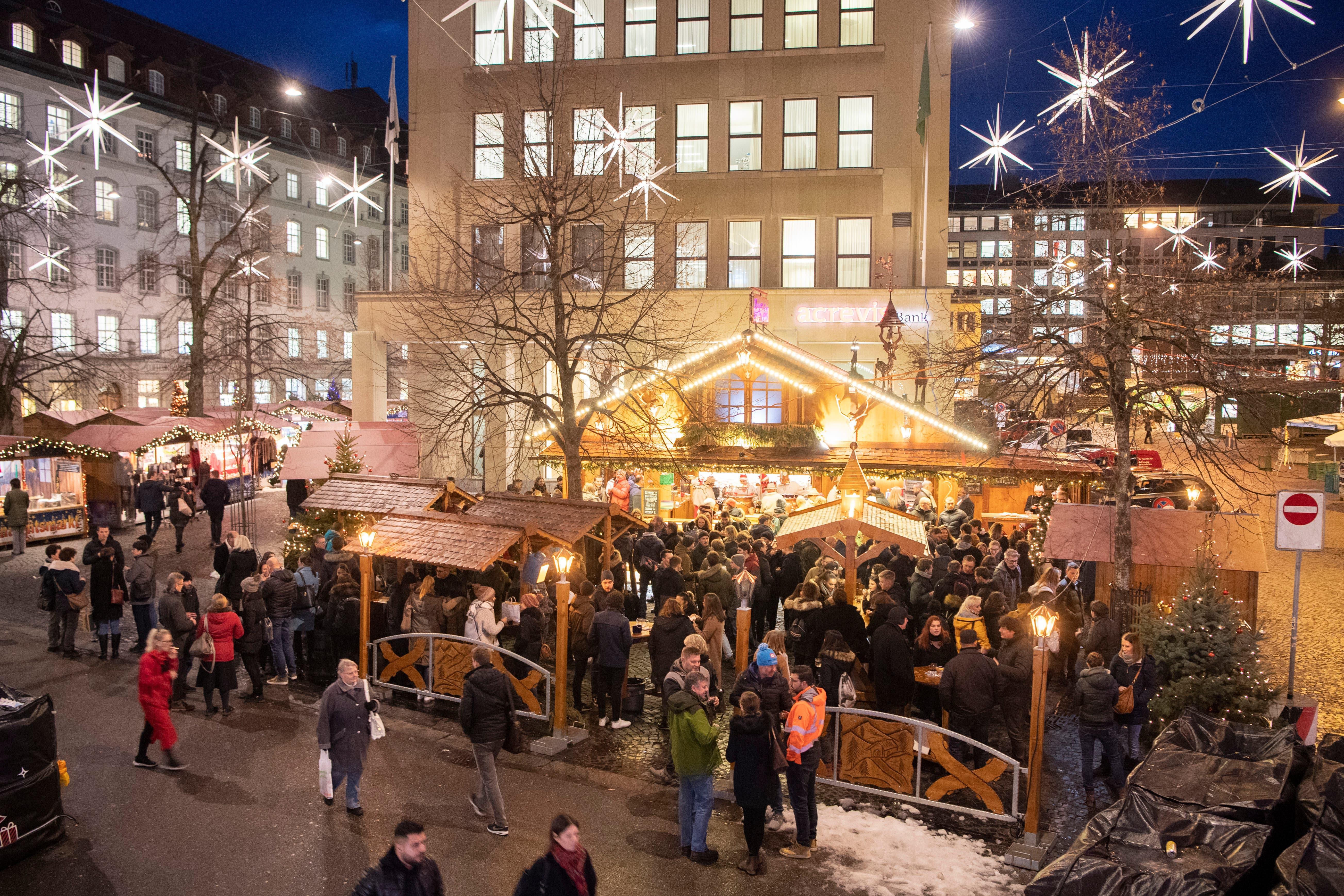 «Machen Terroristen in St.Gallen an Weihnachten frei?»: Stadtparlamentarier wundert sich über frühen Abbau | St.Galler Tagblatt