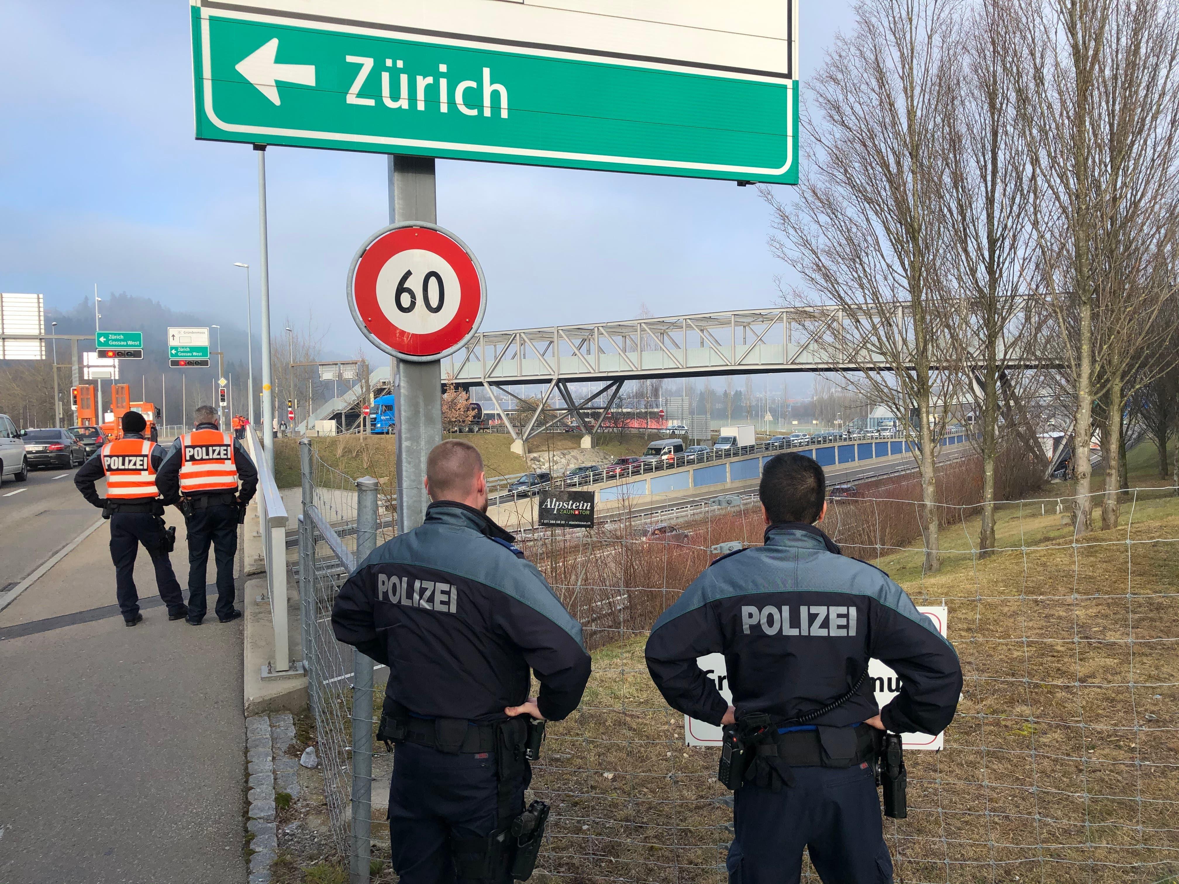 Donald Trump war nicht der einzige VIP: Wie die Kantonspolizei St.Gallen 250 Beamte für den US-Präsidenten abstellte und auch noch Prinz Charles eskortierte | St.Galler Tagblatt