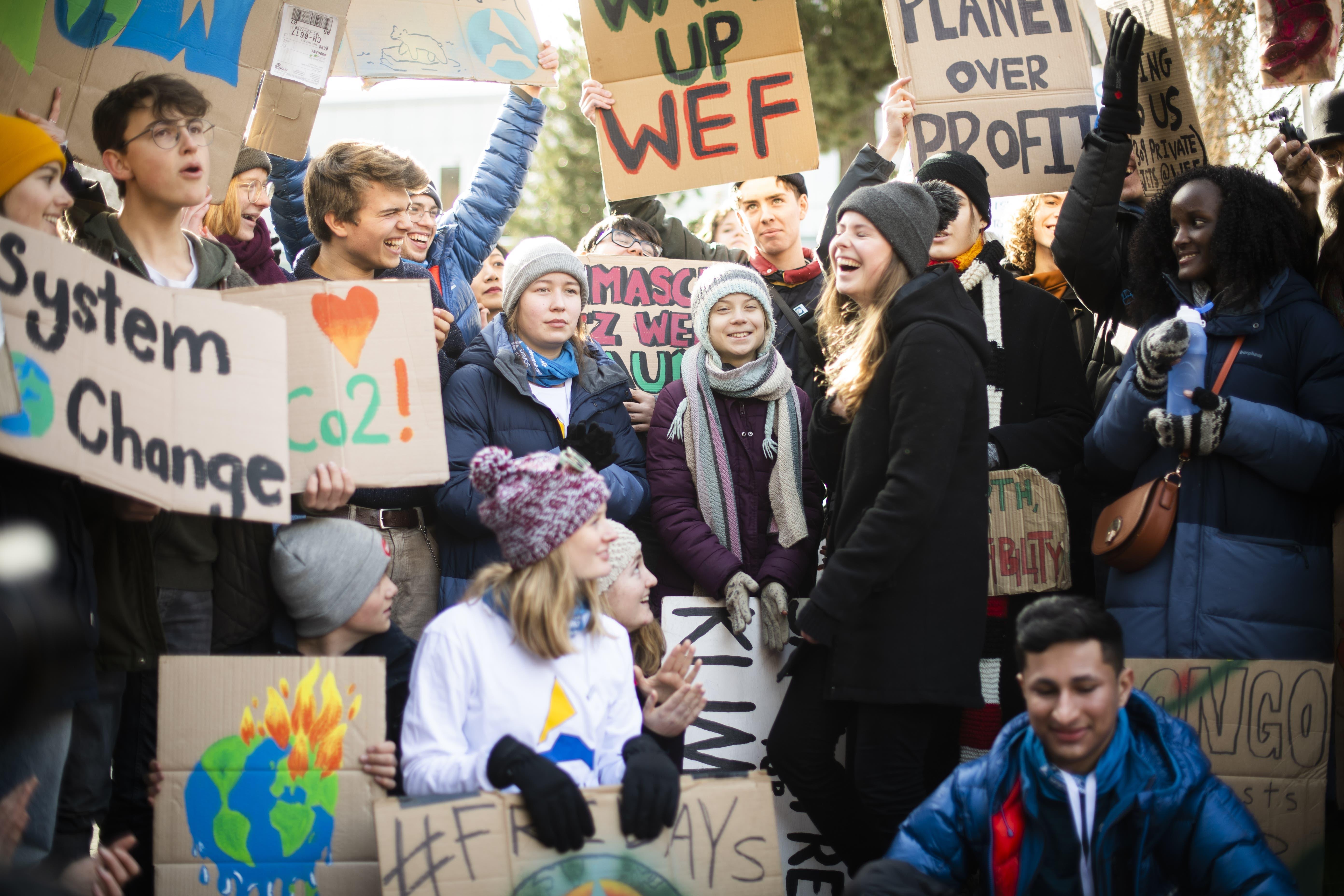 So war Gretas Demo in Davos: Hinter dem Rücken der Klimajugend tauschten WEF-Gäste Visitenkarten | St.Galler Tagblatt