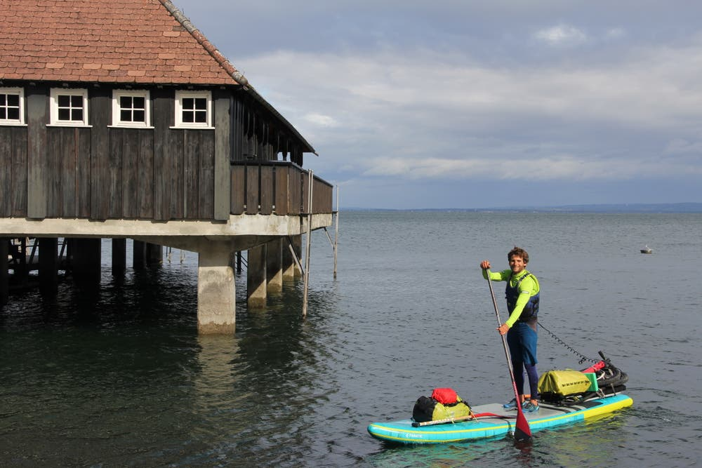 Von Rotterdam bis zur Rheinquelle: Hundwiler paddelt 1233 Kilometer gegen den Strom und sammelt Geld für sauberes Trinkwasser | St.Galler Tagblatt