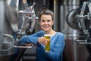 Die Bier-Sommelière Sandra Lopar aus Amriswil in der «Huus-Braui» in Roggwil. (Bilder: Michel Canonica)