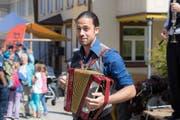 Tobi Zwyer spielt unter anderem auch Akkordeon. (Bild: PD)