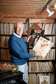 Pepe Lienhard in seinem Reich: Der 72-jährige Bandleader ist begeisterter Plattensammler.