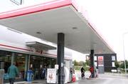 Zur Osterwalder St.Gallen AG gehören über hundert Tankstellen. Im Bild die Tankstelle mit Shop an der Konstanzerstrasse in Wil.
