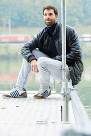 Fertig gerudert: Mario Gyr am Ufer des Rotsees. (Bild: Jakob Ineichen (Luzern, 10. Oktober 2018))