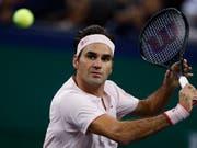 Roger Federer übersteht in Schanghai die happige Starthürde Daniil Medwedew (Bild: KEYSTONE/AP/ANDY WONG)
