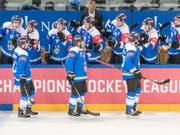 Der EV Zug zieht als zweites Team nach dem SC Bern in die K.o.-Phase der Champions Hockey League ein (Bild: KEYSTONE/URS FLUEELER)