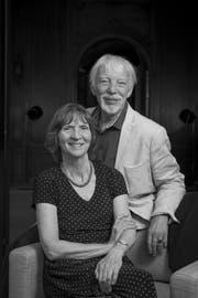 Verschieden, aber einander sehr nah: Während Jan Assmann das alte Ägypten erforscht, wendet sich seine Frau Aleida der Gegenwart zu. Und sie entwickeln etwas Gemeinsames. (Bild: Amélie Losier)