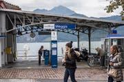 Die Bushaltestelle bei der Schiffstation in Weggis entfällt mit dem Fahrplanwechsel. (Bild: Nadia Schärli, 1. Oktober 2018)