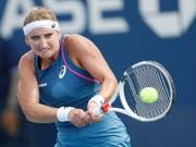Schönes und wichtiges Erfolgserlebnis: Timea Bacsinszky erreichte in Tianjin die Viertelfinals (Bild: KEYSTONE/EPA/JOHN G. MABANGLO)