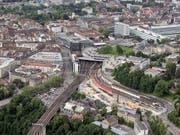 Unterbruch im Bahnverkehr: Eine Störung an der Bahnanlage legte den Bahnhof Bern am Donnerstagmittag lahm. (Bild: KEYSTONE/PETER SCHNEIDER)