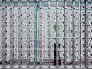 Produktion bei Schoeller Textil in Sevelen. Das Unternehmen stellt im Jahr über sechs Millionen Meter Funktionstextilien her. (Bild: PD)