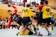 Luka Kovacevic von Handball Emmen im Spiel gegen Lakers Stäfa in der Halle Rossmoos. (Bild: Philipp Schmidli (Emmen, 22. September 2018))