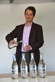 Geschäftsführer Malte Mack mit dem Premiumprodukt «Piz Sardona». (Bild: Hans Bärtsch)