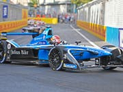 Sébastien Buemi wird mit seinem Formel-E-Boliden im kommenden Jahr nach Bern kommen (Bild: KEYSTONE/WALTER BIERI)