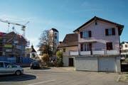 Das Haus an der Bernhardzellerstrasse 10 ist in einem schlechten Zustand. (Bild: Johannes Wey)