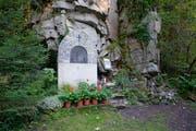 Bildstöckli am Palanggenbach mit Gedenktafel für Flösser. (Bild: Christoph Hirtler)